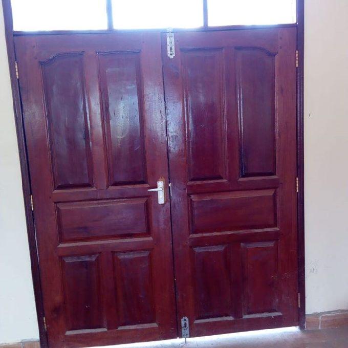 Flush door installation