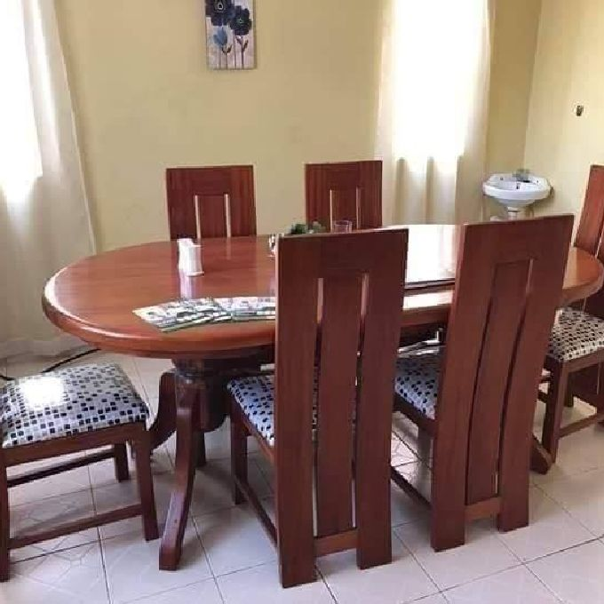 Quality dining table set for sale