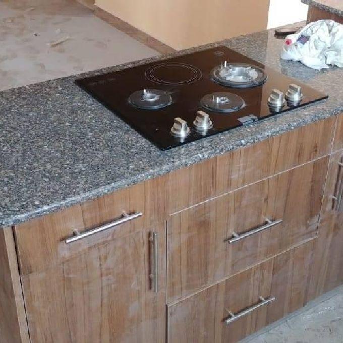 Kitchen Granite Top Installation