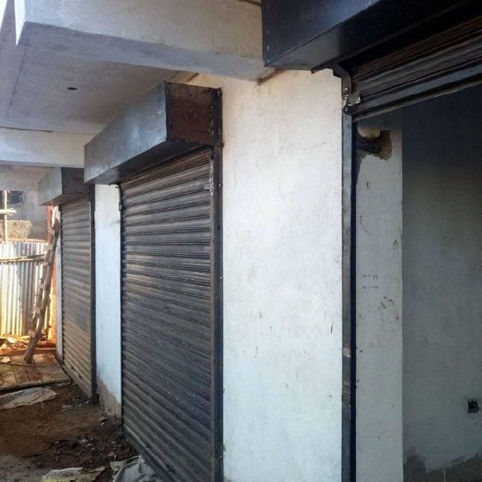 Up sliding Metallic shop doors