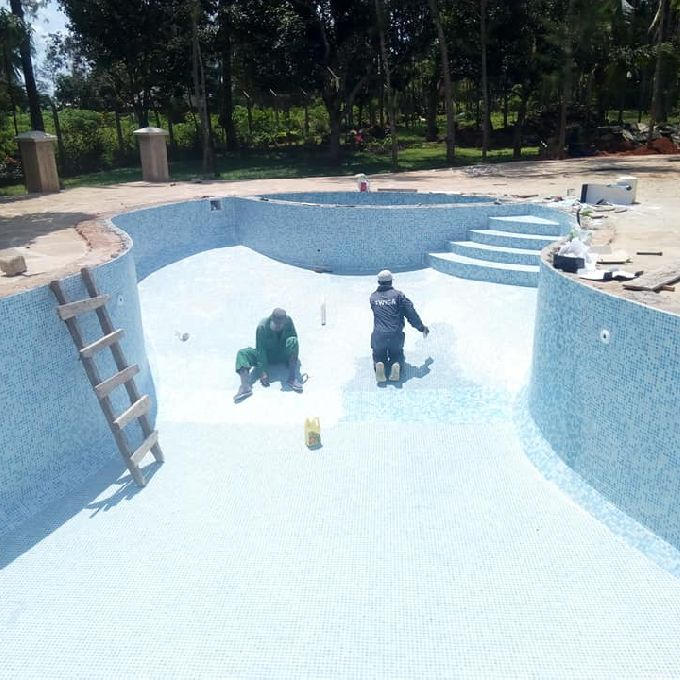 Swimming Pool Drainage System Installation Helpers