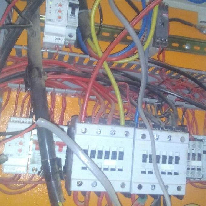 Wiring experts for a new building